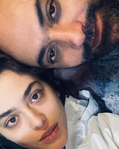 ریحانه پارسا در کنار همسرش مهدی کوشکی